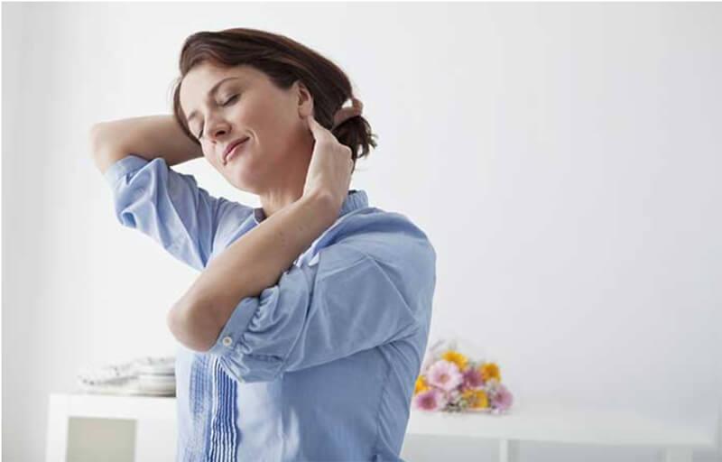 Massage với dầu ấm