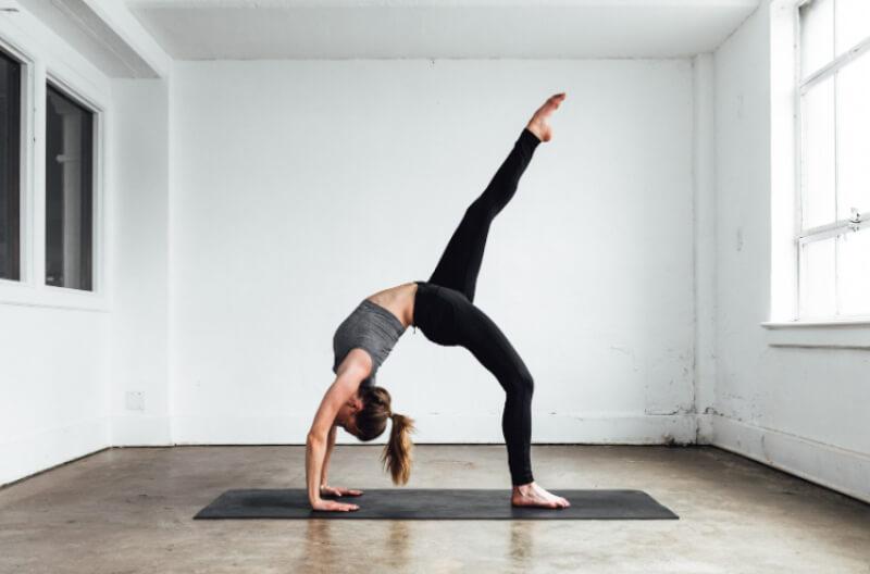 Yoga là một trong những cách giúp giữ dáng hiệu quả